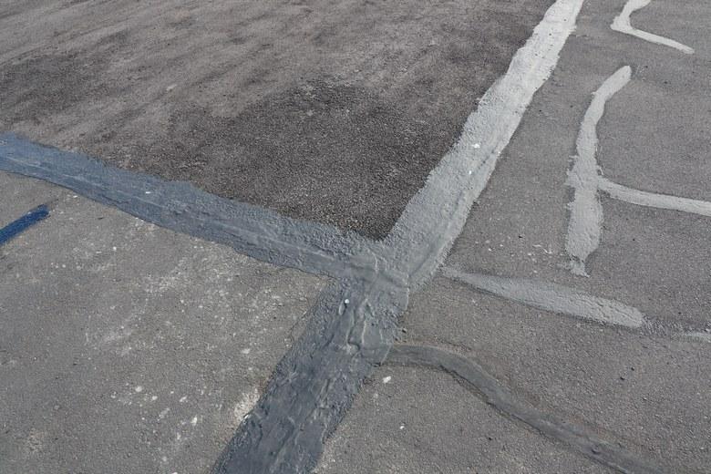 Asphalt-Crack-Sealing-Kent-WA